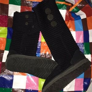 Black ugg boots size 6